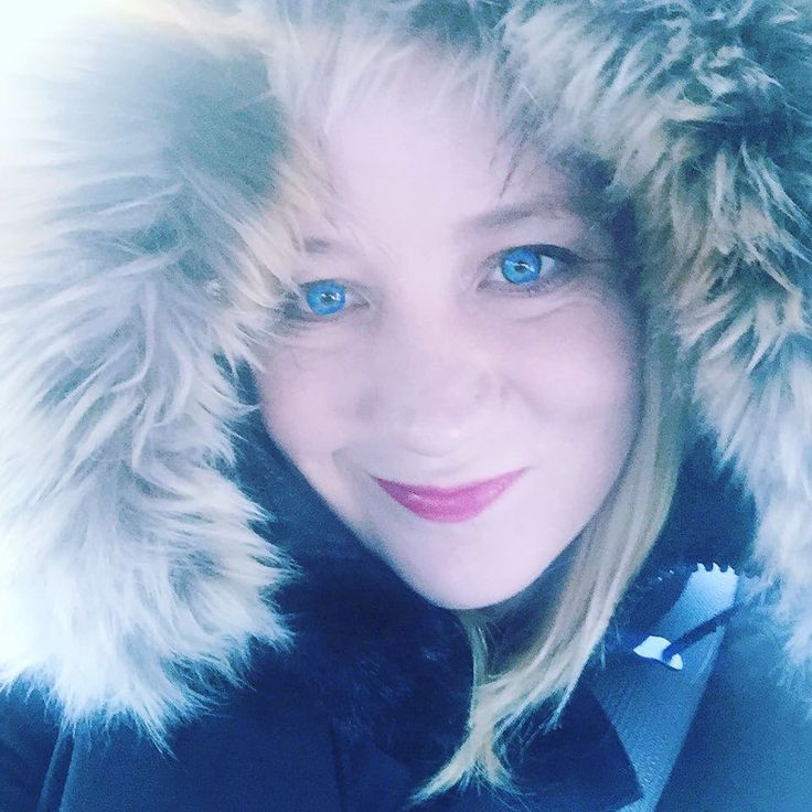 Bundled up for shoveling snow today. But right now I wouldn't have it any other way :D #snow#winter#cold#travelblog #travel#canada#home #freezing #quebec #ontario#vancouver#montreal #canada#buddha#yoga#arctic #fun#instagood#aritzia#adventure#love#korea#seoul#눈#nature#blizzard#greatwhitenorth