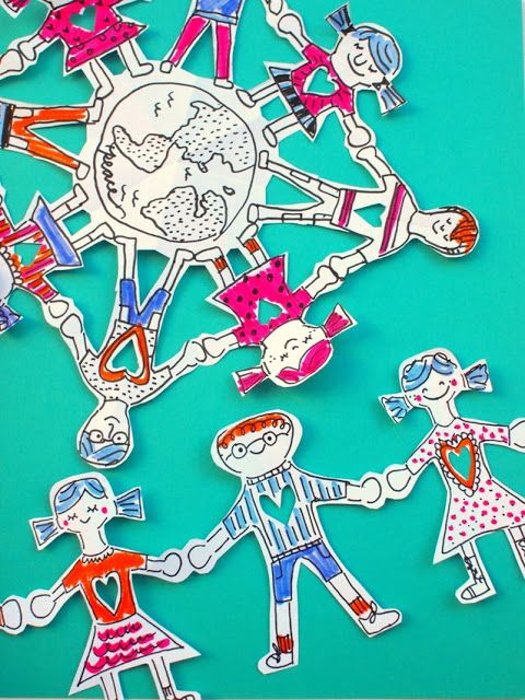 Two ways to make paper people chains (a chain and a snowflake design)