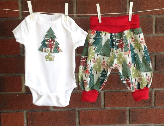 UNISEX XMAS OUTFIT baby outfit christmas tree by TwoBlackRabbits