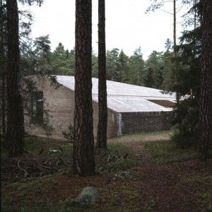Johan+Celsing's+red-brick+crematorium+follows++the+terrain+of+Asplund's+Woodland+Cemetery