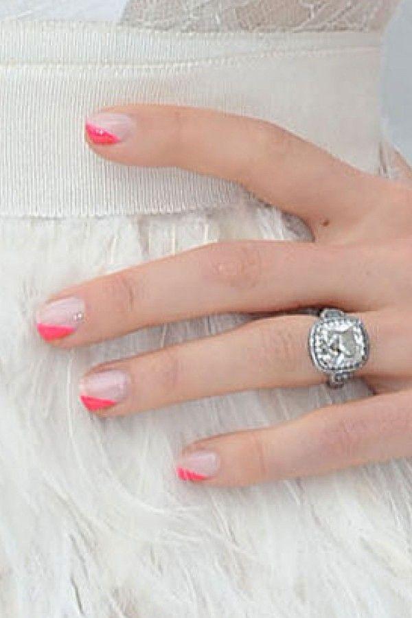 Jessica Biel's Neon Pink Nail Art