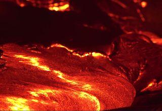 Αuto  Planet Stars: Η ροή της λάβας στο ηφαίστειο Κιλαουέα της Χαβάης ...