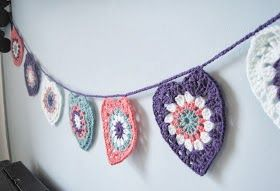 Bees and Appletrees (BLOG): hartjesslinger haken - crochet heartsgarland