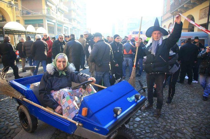 E' arrivata la Motobefana - Foto e video - Gazzetta di Reggio