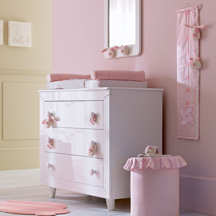 die besten 17 bilder zu baby m dchenzimmer kinderm bel und babyausstattung in pink cicci. Black Bedroom Furniture Sets. Home Design Ideas