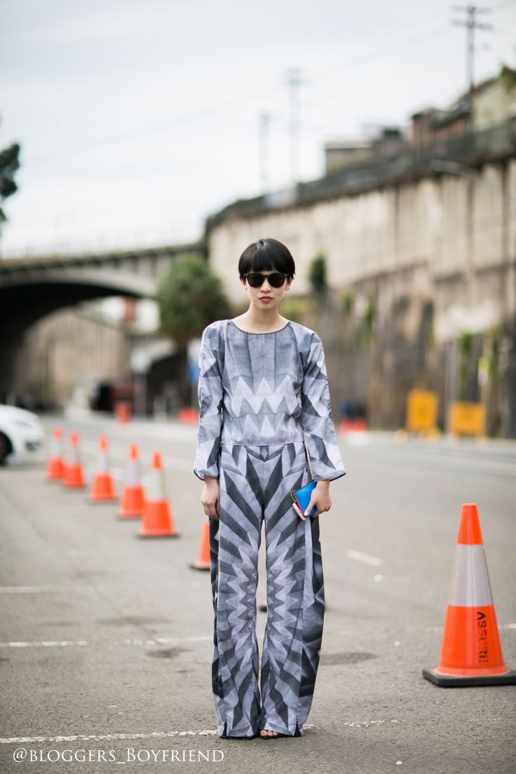 STREET STYLE - NATASHA CHIEW - SYDNEY FASHION DESIGNER AND HER OWN DESIGN - @Bloggers_Boyfriend@Bloggers_Boyfriend Sydney Fashion Week, MBFWA, MBFWA17 MBFWA16 street styles women sydney fashion designer