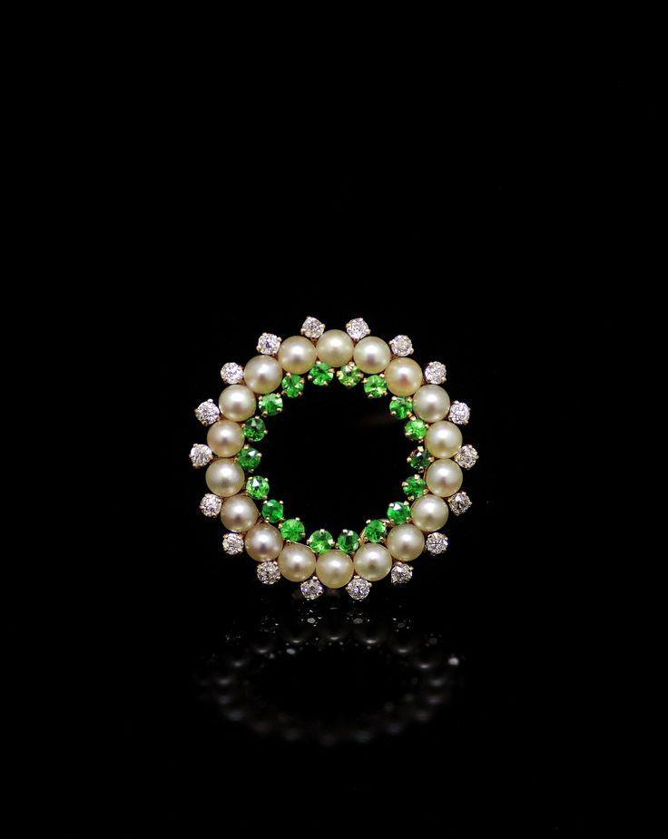 Demantoid garnet ,pearl,diamond brooch circa 1900 (C)Regard Co.,Ltd