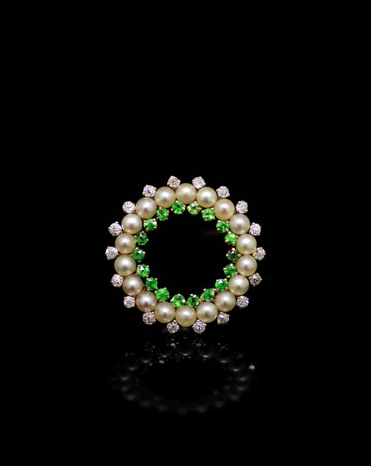 Demantoid garnet ,pearl,diamond brooch circa 1900 (C)Regard Co.,Ltd