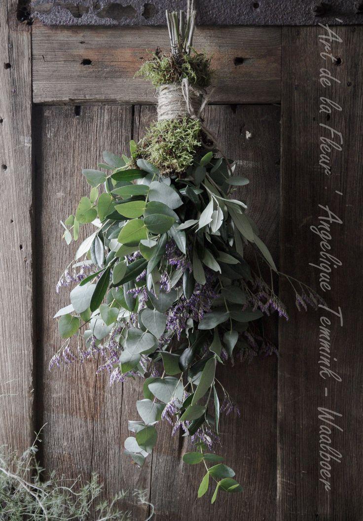 """ Art de la Fleur "" www.artdelafleur7.nl Angelique Temmink Waalboer. Toef , Eucalypthus , Sober , Moss , Asparagus , Floral , Flowers.. Sobere & Landelijke Bloemschik - Workshops , Goedereede. Holland."
