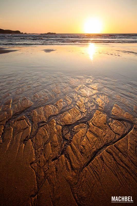 Playa de Xago en Gozn Asturias  Asturias paradise  Beach Sunset y Paradise