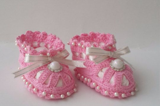 crochet baby booties baby booties with pearls by KnittingAndYarns