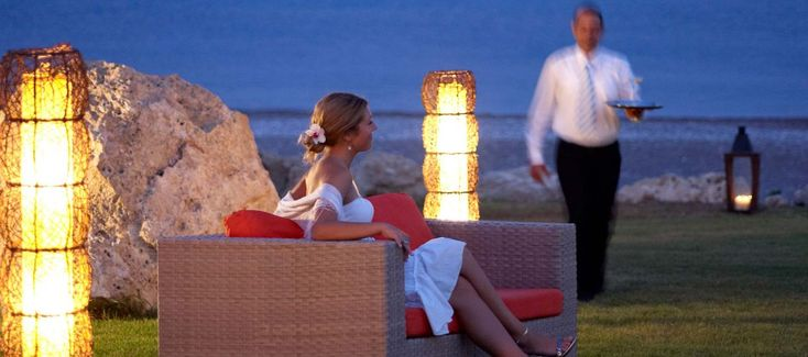 Poseidon Beach Bar - for those that are not very willing to get separated from the wonderful beach of Kallithea