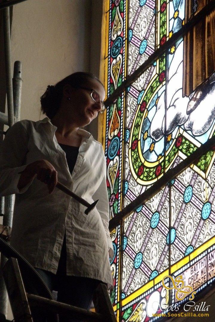Oprava a Reštaurovanie Vitráže Okna Kostola v Hornom Bare  http://sk.sooscsilla.com/cirkevne-nabozenske-a-kostolne-sakralne-vitraze/ http://sk.sooscsilla.com/portfolio/oprava-a-restaurovanie-vitraze-okna-kostola-v-hornom-bare/