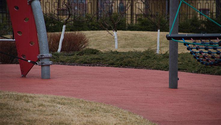 EPDM surface. EPDM (бутил-каучук) покрытие детской площадки. Ландшафтные работы - СпецПаркДизайн. Оборудование Hags. Санкт-Петербург, Россия