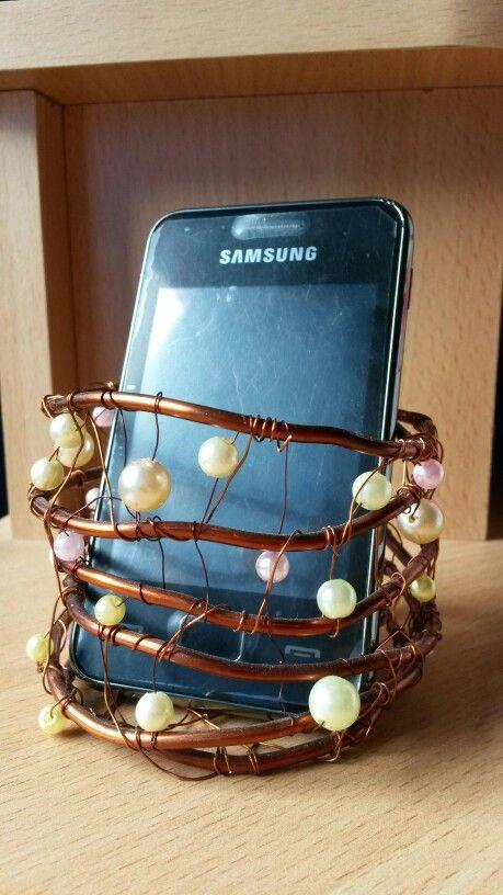 DIY Stojan na mobil s perličkami