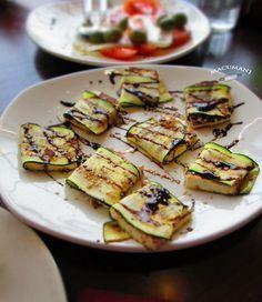 Paquetitos de calabacín con queso fresco. Macumani
