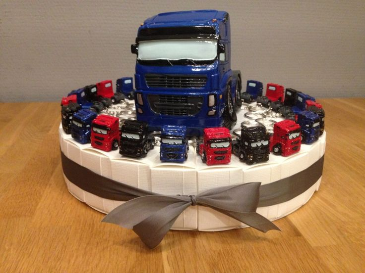 truck vrachtauto sleutelhangers taart