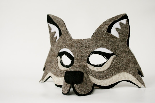 wolf mask, pattern by oxeyedaisy on etsy.