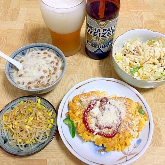 明日は休みの夜ごはん - 41件のもぐもぐ - 豆もやしのナムル・豆腐のしょっつるサラダ・納豆と山芋・ピーマンチーズ入りオムレツ by Tarou  Masayuki