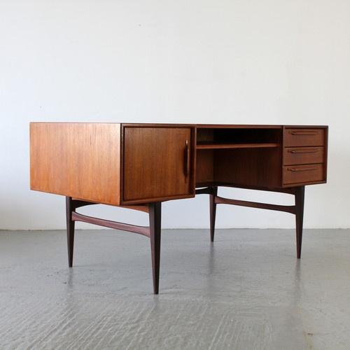 Ber ideen zu schreibtisch setup auf pinterest for Schreibtisch 60er