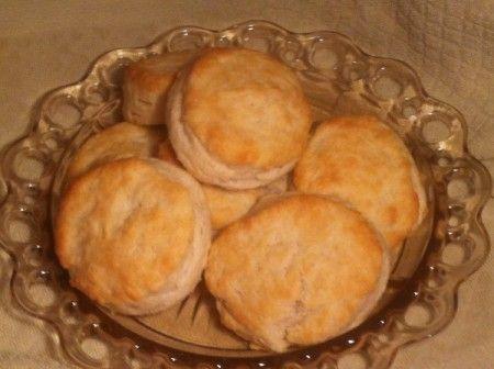 Loretta Lynn's Cat-Head Biscuits