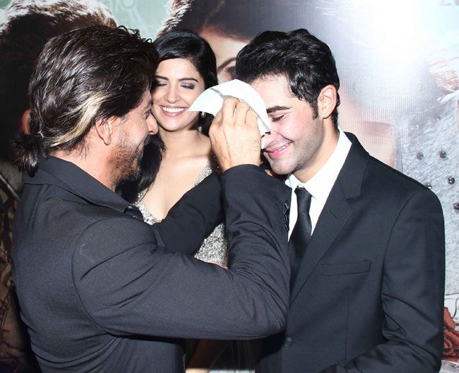 No sweat! Shah Rukh Khan, Armaan Jain and Deeksha Seth at premiere of 'Lekar Hum Deewana Dil'. #Style #Bollywood #Fashion #Beauty
