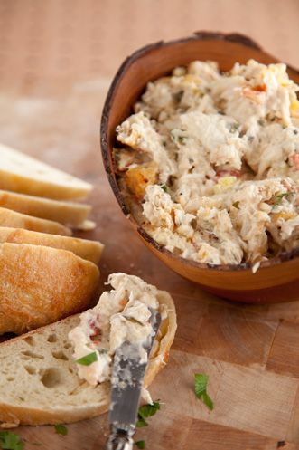 crab dip with a kick. love bobby deen!