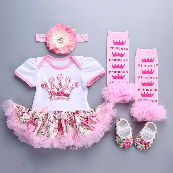 This Baby Girl Outfit Set is perfect for a little princess who loves pink! 😍 Available for 0-12 months. Get it here 👉 https://petitelapetite.com/products/baby-girl-outfit-set