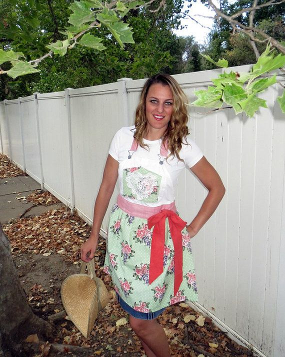 Upcycled Apron Recycled Apron Denim Craft Apron by Aprons2tie4