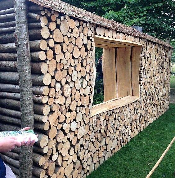 Murs jardin en rondins de bois
