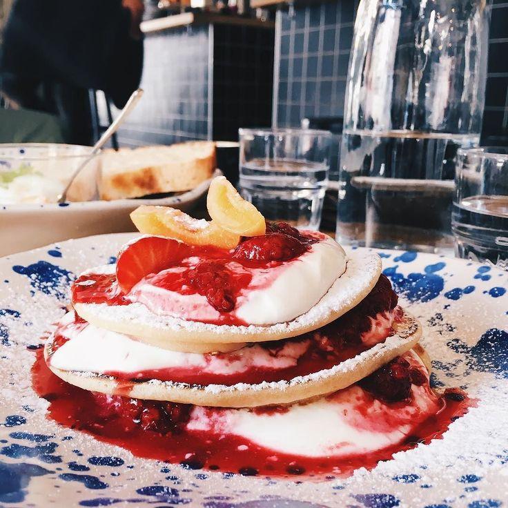 Sunday brunch Those pancakes we amazing - - - - - - - - - - - - - - - #summer2017 #sundayfunday #sunday #brunch #breakfast #food #foodie #foodstagram #instafood #instadelicious #foodblogger #foodpic #foodporn #pancakes #prague #praha #praga #prag #letna #holesovice #eating #foodporno #travel #traveling #tripstagram #treatyoself #foodgasm