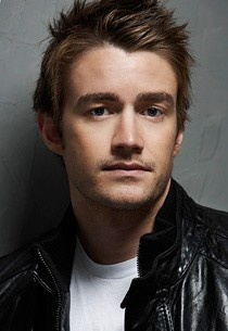 Love him! Robert Buckley - One Tree Hill