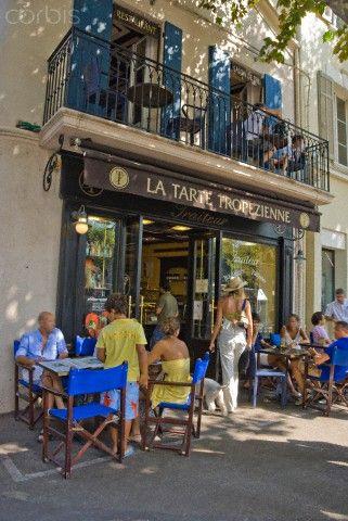 "France, Var, St-Tropez, ""La Tarte Tropezienne"" patisserie"