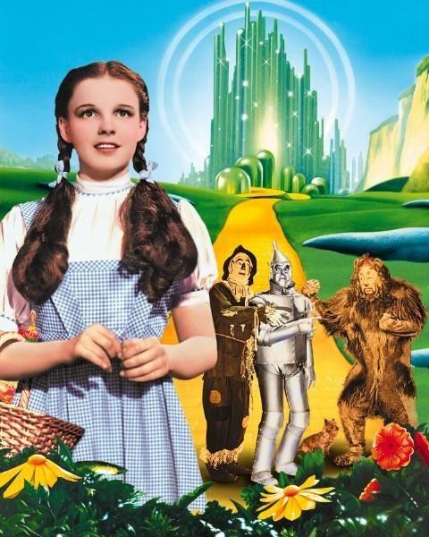 Still of Judy Garland, Ray Bolger, Jack Haley and Bert Lahr in Trollkarlen från Oz (1939) http://www.movpins.com/dHQwMDMyMTM4/the-wizard-of-oz-(1939)/still-833718784