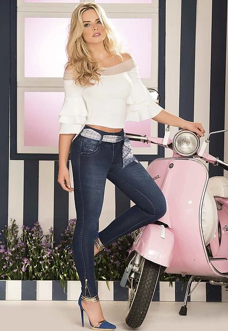 Marcas de Ropa colombiana, ventas online por catalogo - blusas - Jeans - Faldas - Camisas y mas