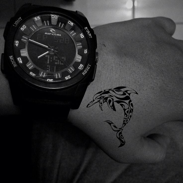 Life is free like a dolphin in the ocean. #dolphin #tattoo #bw #blackandwhite #photography