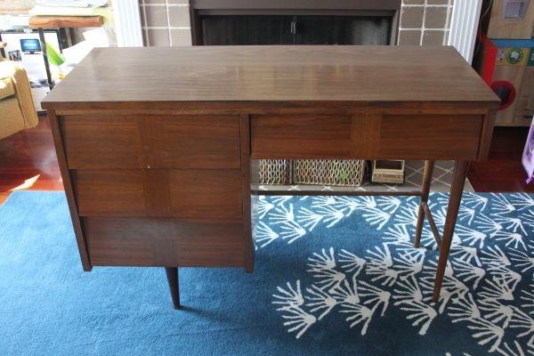 Desk found on Craigslist. Ooh, I-hope-I-get-it!: Girls Cribs, Big Girls