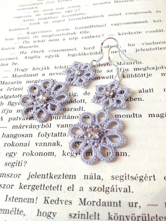 Grey tatted earrings - tatting - lace - light grey - tatted jewellery