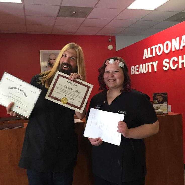 What a great picutre of Cassie on her graduation day!! Coach Jamie is hamming it up #TBT #Graduate #Cosmetology #AltoonaBeautySchool #Sassoon #NutsAndBolts #LearnitLiveitLoveit http://tipsrazzi.com/ipost/1512548576688703554/?code=BT9puqrDYhC