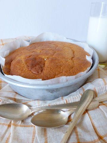 """Ce gâteau sans gluten, vite fait et inratable, porte décidément bien son nom. Réalisé avec 3 frois rien, le """"tôt-fait"""" un dessert sans prétention et pourtant aussi délicieux que léger."""