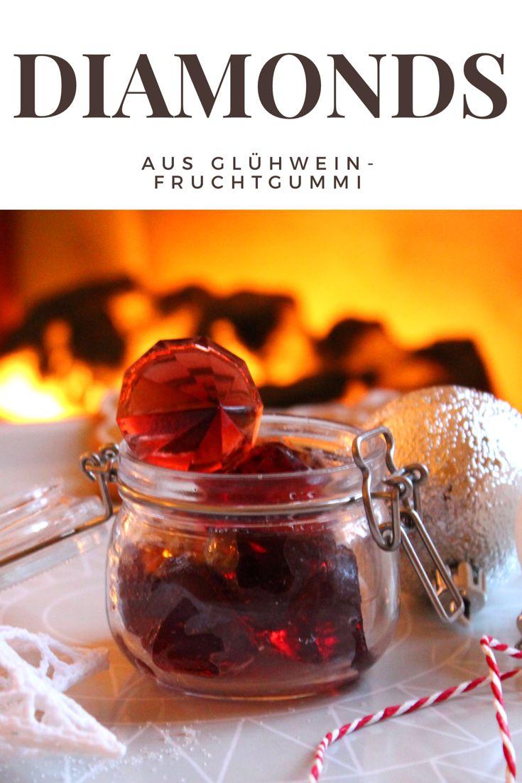 Habt ihr noch jede Menge Glühwein im Vorratsschrank? Auf www.hej.de findet ihr ein wunderbares Glühwein-Fruchtgummi-Rezept für diese zauberhaften roten Diamanten, an dem ich mitwirken durfte.