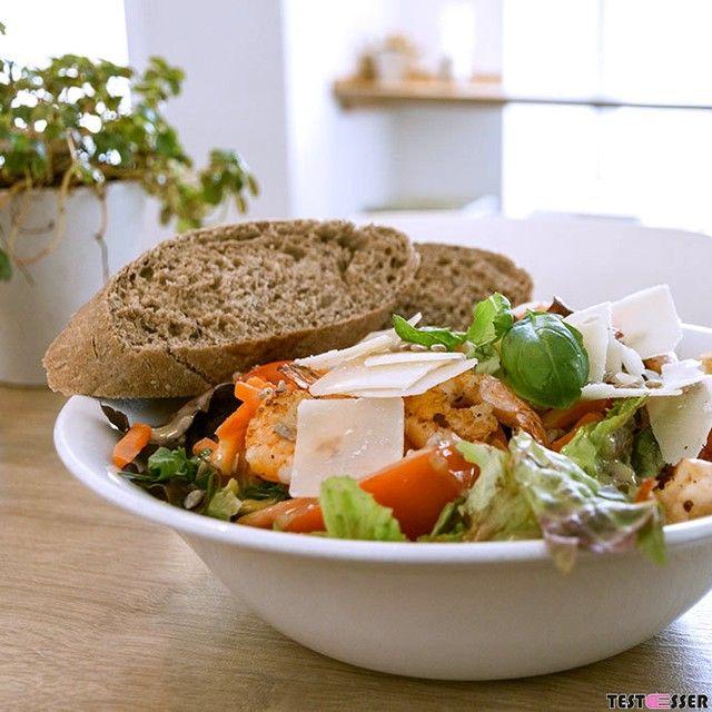 Habt ihr am Wochenende auch ordentlich geschlemmt ? Dann ist es heute Zeit für einen Salat von @deananddavid_at! Übrigens den Bericht findet ihr im blog ! #deananddavid #salat #lowcarb #lunch #fresh #healthy #foodgasm #foodpic #instafood #foodies #foodie #foodshot #foodstagram #instafood #photooftheday #picoftheday #testesser #graz #steiermark #austria #igersgraz #grazblogger #blogger_at #instagraz #grazerblogger