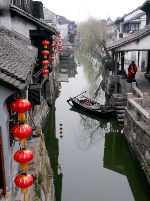 Hangzhou, China - p251 - The Grand Canal of China, the World's largest canal, was built between Beijing and Hangzhou in the 7th century.The city was renowned for the beauty of its West Lake.