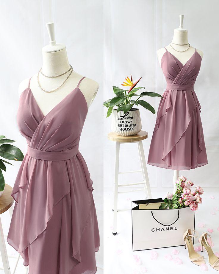 Kurzes V-Ausschnitt Partykleid mit Rüschen #Brautjungfernkleid #Hochzeitsidea #RosaKleid # ...