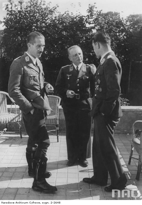 Werner Molders and Adolf Galland during a conversation with the rapporteur of war