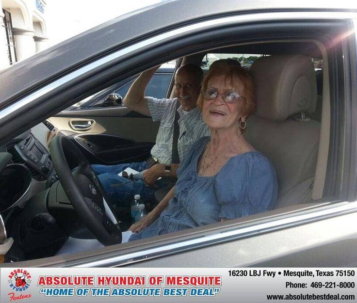 https://flic.kr/p/xgpntt | #HappyAnniversary to La Quinta and your 2013 #Hyundai #Santa Fe from Troy Cox at Absolute Hyundai! | www.deliverymaxx.com/?utm_source=FlickR&utm_medium=Be...