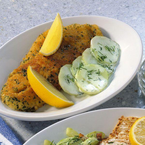 Backfisch mit Gurkensalat