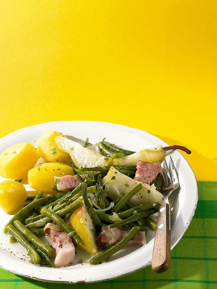 Rezept für Birnen, Bohnen und Speck bei Essen und Trinken. Ein Rezept für 2 Personen. Und weitere Rezepte in den Kategorien Gemüse, Kräuter, Obst, Schwein, Hauptspeise, Suppen / Eintöpfe, Kochen, Deutsch (regional).