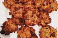 Wanneer het kouder wordt hebben we nog meer zin in koekjes, liefst zonder de suikers en de calorieën maar met evenveel smaak. Probeer deze suikervrije haverkoekjes eens zonder bloem.