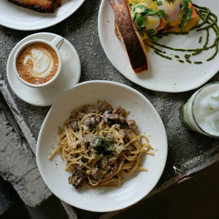 Flatlay at portfivesix restaurant. For more food photography follow @ryanomz on instagram
